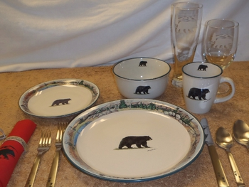 CS10274.BLKBMNT - Cabin Series Bear with Mountain Scenic Rim Dinnerware Set (16 pc) #CS10274.BLKBMNT