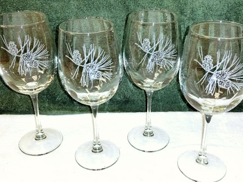 GP10123E.PINE3 - 19oz. Tulip White Wine  - Sand Carved Pine Cone (Set of 4) #GP10123E.PINE3