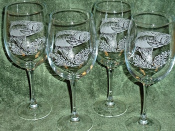 GP10123E.TRT - 19oz. Tulip White Wine  - Sand Carved Rainbow Trout (Set of 4) #GP10123E.TRT