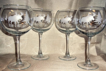 GP10137E.MOSS - Balloon Wine Glass 19oz. - Sand Carved -Moose and Tree Silhouette (Set of 4) #GW10137E.MOSS
