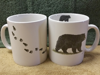 SM114.BLKBTRX - Bright White Super Sized 30oz. Mug - Black Bear with Tracks #SM114.BLKBTRX