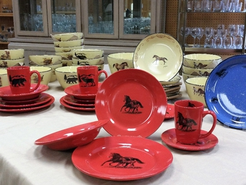 WS10316.MRFS - 20pc Crimson Red Mare and Foal Silhouette Dinnerware Set (4 place settings) #WS10316.MRFS