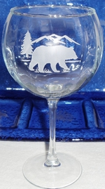 GW10137E.BERS - 19oz. Balloon Red Wine  - Sand Carved Bear and Mountain Silhouette GW10137E.BERS