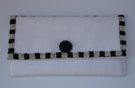 White & Black Beaded Clutch EO3102W