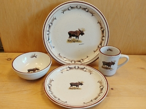 CR10348.MOSBANT - 16pc Classic Rustic Standing Moose with Antlers Dinnerware Set CR10348.MOSBANT