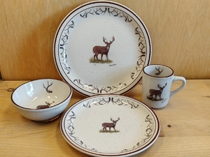 CR10348.WTDBANT - 16pc Classic Rustic Standing Whitetail with Antlers Dinnerware Set CR10348.WTDBANT
