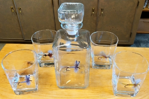 GP10135.FLYA - Square Decanter with 4 Square Rocks Glasses - Dry Fly Series GP10135.FLYA