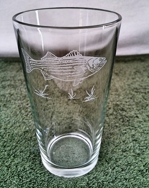 GP450.STB - Sand Carved Pint Glass - Striped Bass (set of 4) GP450.STB