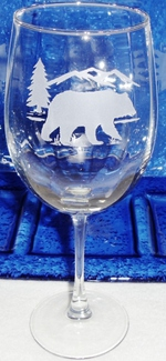 GW10123E.BERS - 19oz. Tulip White Wine  - Sand Carved Bear and Mountain Silhouette GW10123E.BERS