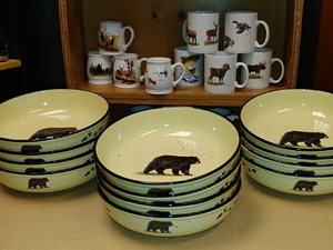 2pc Lodge Collection Serving Bowl - Bear and Paw Tracks LC10052.BLKBTRX