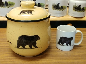 Lodge Collection Large Cookie Jar - Signature Series - Black Bear with Tracks LCCJ.BLKBTRX