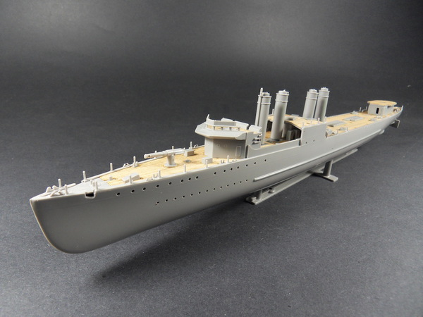 8.5 X 54Cm 1/240 HMS Campbeltown self-adhesive wooden decks (designed to be used with Revell kits) RV3016 *All new designed*Pre-washed on wooden deck*Anti moisture oil stein coating on wooden deck*Advanced all new adhesive*The adhesive of separate way is #AW50035