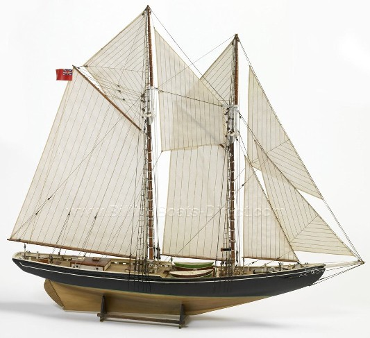 Bluenose Double-Masted Fishing Schooner (Intermediate) #BBT576
