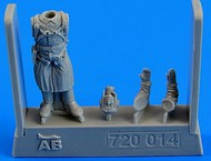 AeroBonus by Aires  1/72 WWII Russian Pilot ABN720014