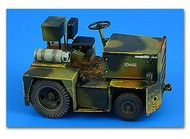 AeroBonus by Aires  1/32 United G40 (LPG) Tow Tractor ABN320108