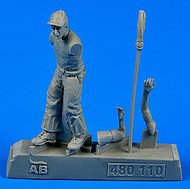 AeroBonus by Aires  1/48 WWII US Army Aircraft Mechanic Pacific Theatre (Standing w/Mop) ABN480110