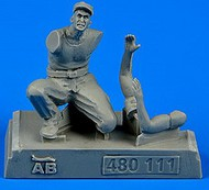 AeroBonus by Aires  1/48 WWII US Army Aircraft Mechanic Pacific Theatre (Kneeling) ABN480111
