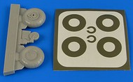 Aires  1/32 Bucker Bu.131 Wheels & Paint Masks Transverse Tread w/Disc AHM2222