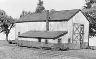 AMERICAN MODEL BUILDERS  N N Single Stall Engine House AME608