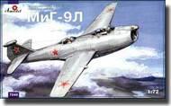 A Model Poland  1/72 MiG-9L Soviet Twin-Engine Fighter AMZ7243