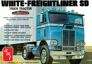 AMT/ERTL  1/25 White Freightliner Single-Drive Tractor Cab AMT1004