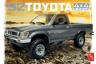 AMT/ERTL  1/20 1992 Toyota 4x4 Pickup Truck AMT1082