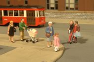 Bachmann  HO Scenescapes People Strolling (6 & Baby Coach) BAC33109