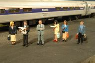 Bachmann  HO Scenescapes Passengers Standing (6) BAC33110