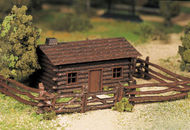 Bachmann  O Log Cabin w/Rustic Fence Kit BAC45982