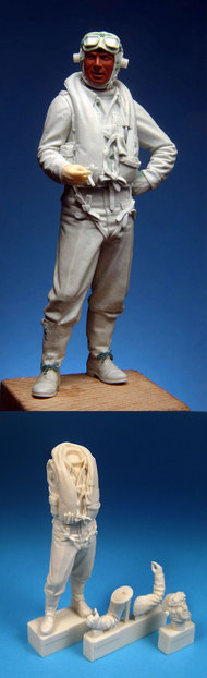 BarracudaCast  1/24 Hawker Typhoon Mid/Late War Pilot Standing for ARX #19002 (Resin) (D)<!-- _Disc_ --> BARBR24208