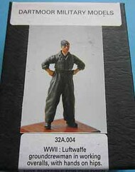 Dartmoor Military Models  1/32 Collection - WWII: Luftwaffe groundcrewman in working overalls, hands on hips CSA32A-004