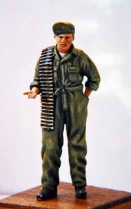 Dartmoor Military Models  1/32 Collection - WWII: USAAF Armourer with a belt of ammunition CSA32A-006