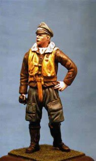 Dartmoor Military Models  1/32 Collection - WWII: Luftwaffe pilot in flying uniform CSA32A-007