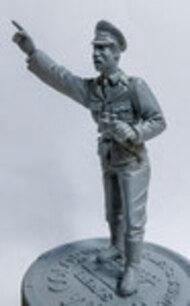 Das Werk  1/35 Anti-Aircraft Officer / AA-Commander (Flakoffizier / Kommandant) - Pre-Order Item DWF006
