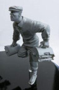 Das Werk  1/35 Ammo Carrier (HiWi / Auxiliary Volunteer) - Pre-Order Item DWF007
