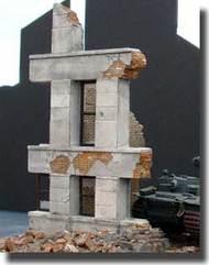 Dioramas Plus  1/35 Ruined Small Concrete/Brick Building w/Windows  DPL004