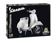 Italeri  1/9 Vespa 125 Primavera Scooter ITA4633