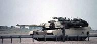 M1A1 Abrams US Tank w/Tankers #ITA6571