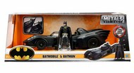 Jada Models  1/24 1989 Batmobile w/Batman Figure JAD98260