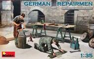 German Repairmen (2) w/Tools #MNA35353