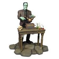Moebius  1/9 The Munsters: Herman Munster Figure w/Base MOE933