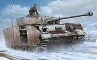 Trumpeter Models  1/16 German PzBeobWg IV Ausf J Medium Tank TSM922