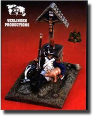 Verlinden Productions  54mm Guard Grenadier at the Roadside Diorama Set VPI1932