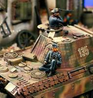 Verlinden Productions  54mm 54mm SS Tank Officer Seated VPI355