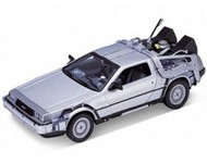 WELLY DIE CAST  1/24 DeLorean Time Machine Back To The Future I (Met. Silver) WLY22443