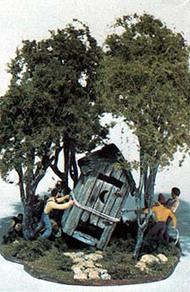 Woodland Scenic  HO Mini Scene Kit- Outhouse Mischief WOO108