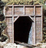 Woodland Scenic  N Timber Single Tunnel Portal (2) WOO1154