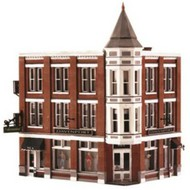 Woodland Scenic  N Built-N-Ready Davenport 3-Story Department Store WOO4938