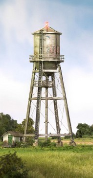 Woodland Scenic  N Built-N-Ready Rustic Water Tower LED Lighted WOO4954