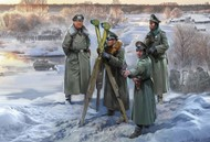 Zvezda Models  1/172 German Headquarters Crew Winter (Snap) (New Tool) ZVE6232
